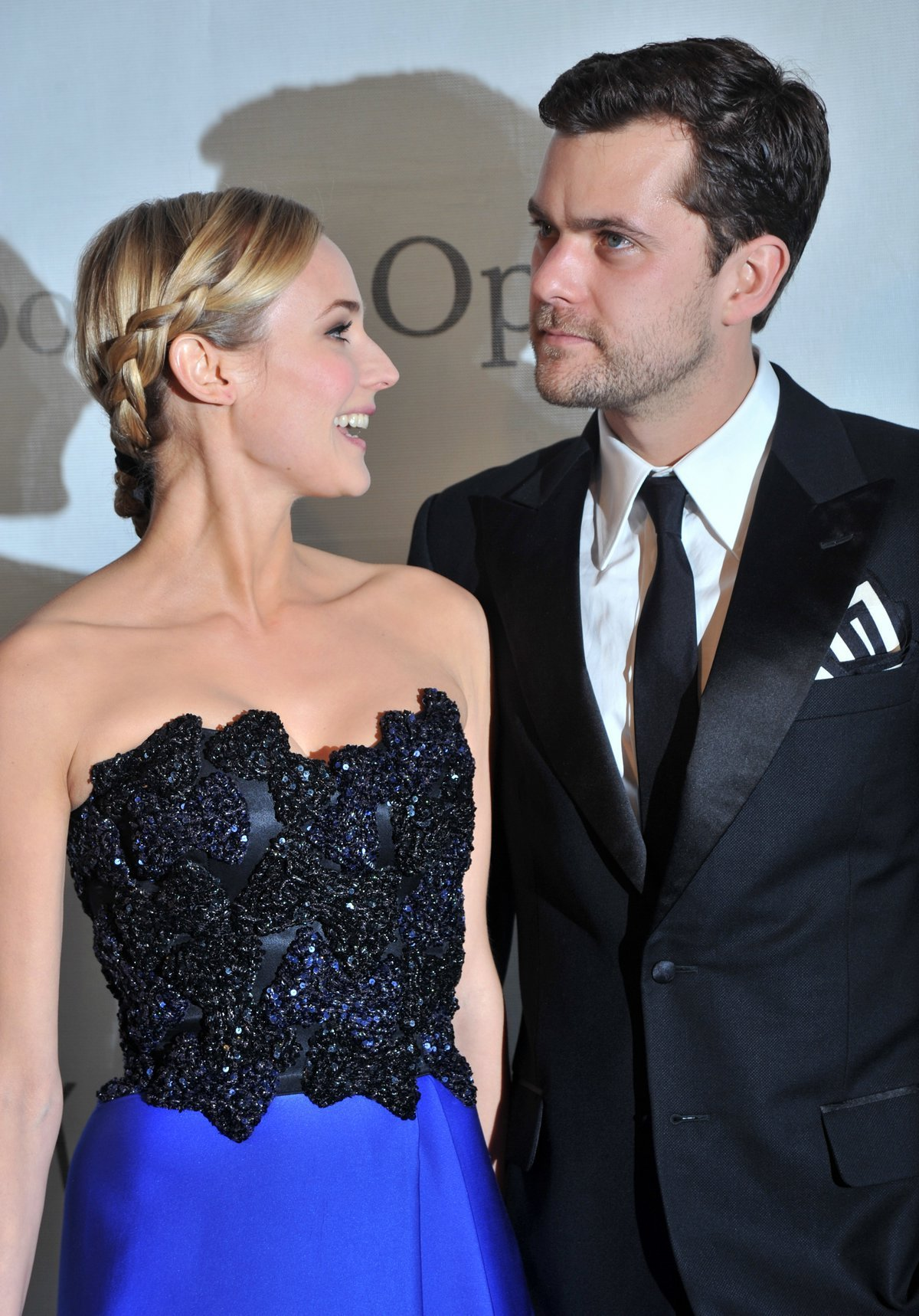 stylish couples joshua jackson and diane kruger annetfox in wonderland. Black Bedroom Furniture Sets. Home Design Ideas
