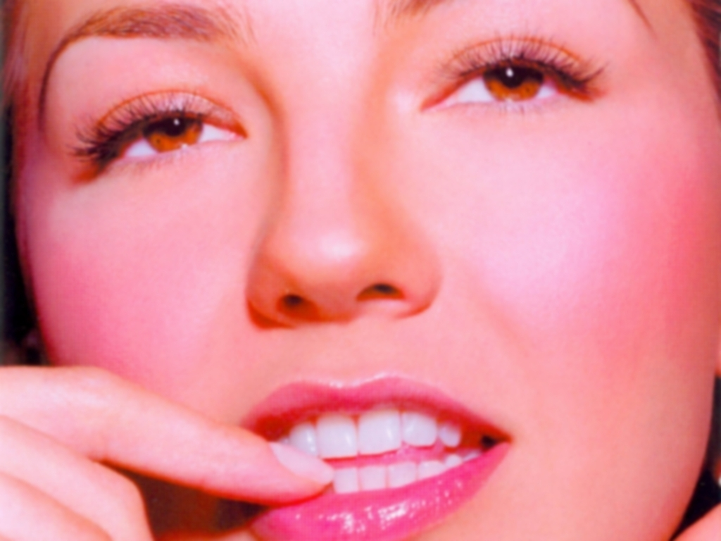 https://i0.wp.com/images2.fanpop.com/images/photos/6700000/Thalia-thalia-6706425-1024-768.jpg