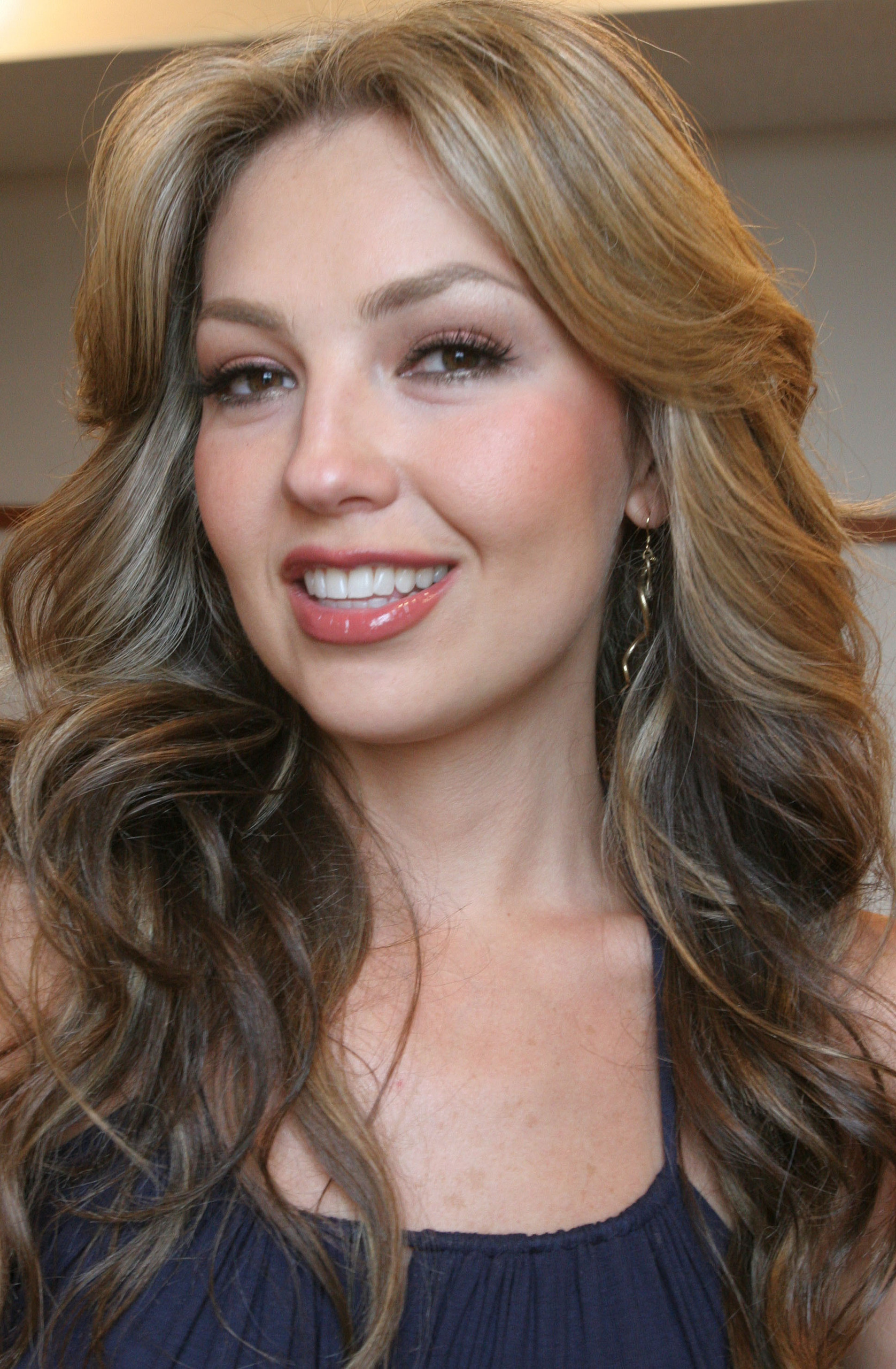 https://i0.wp.com/images2.fanpop.com/images/photos/6700000/Thalia-thalia-6708665-1676-2560.jpg