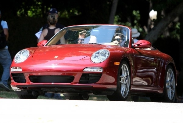Patrick Dempsey on the set of Valentine's Day - patrick-dempsey photo