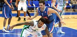 Moss ha contribuito a tenere a bada Bogdanovic. Ansa