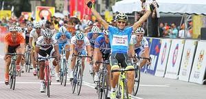 Andrea Guardini ha vinto così l'ultima tappa del Malesia. Ansa