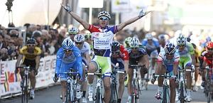 Peter Sagan vince così la 4/a tappa. Bettini
