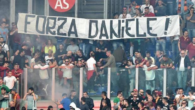 Roma ultr striscioni proDe Santis e contro i napoletani Pallotta si arrabbia  La Gazzetta