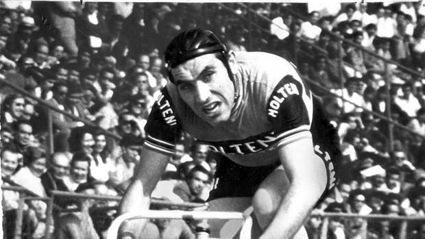 Eddy Merckx vanta il maggior numero di vittorie di tappa (34), di tappe vinte in un'edizione (8 in due occasioni) e di maglie gialle indossate (115)