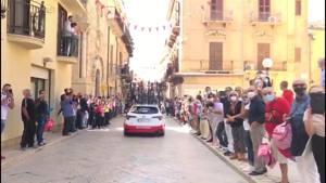 Tantissime persone ad Alcamo per la seconda tappa del Giro d'Italia