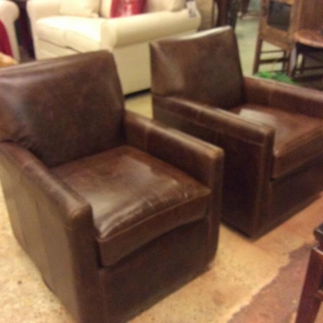 swivel chairs living room designs with hardwood floors palliser furniture pia chair fireside waln 77040 33 157a01 at exotic home coastal outlet