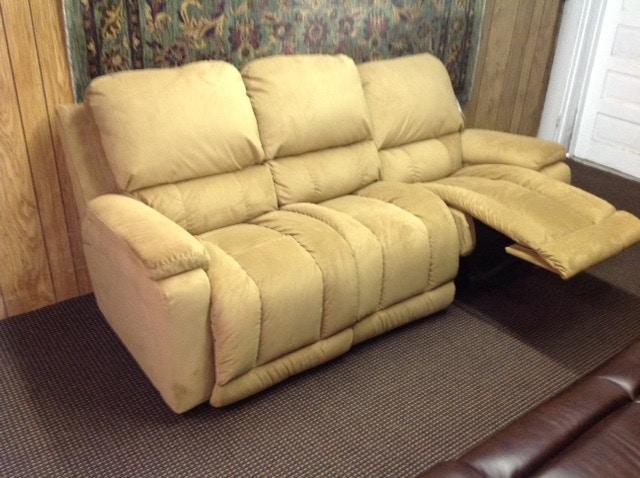 reclining sofa on clearance mattress topper living room lazboy pclr laz440530
