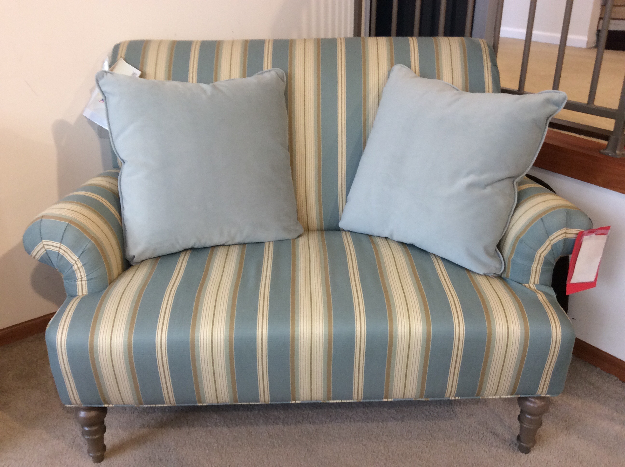 settee living room decor in blue and green settees good s furniture kewanee il craftmaster