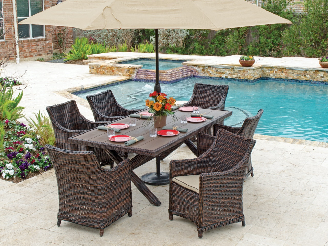 Outdoor Wicker Dining Chairs Biscayne 7 Pc Aluminum Woven Resin Wicker Dining Set With 84 X 44