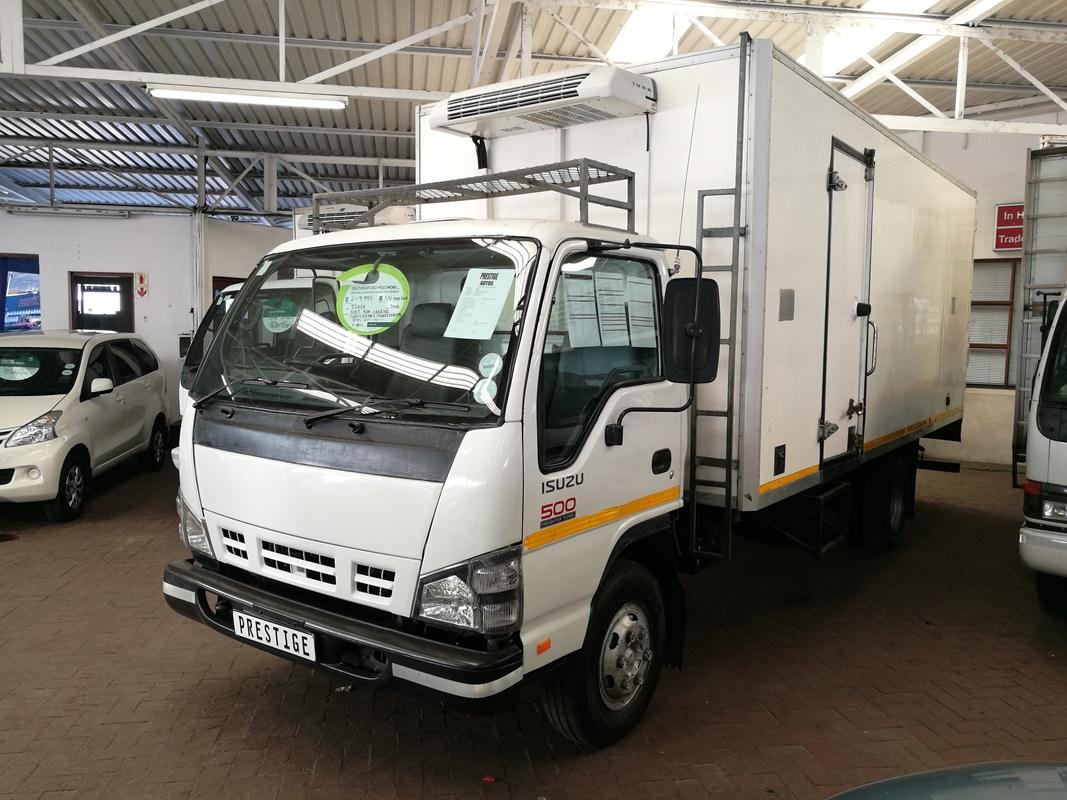 hight resolution of 2006 isuzu n series nqr 500 carrier with 331000km s powersteering spare key