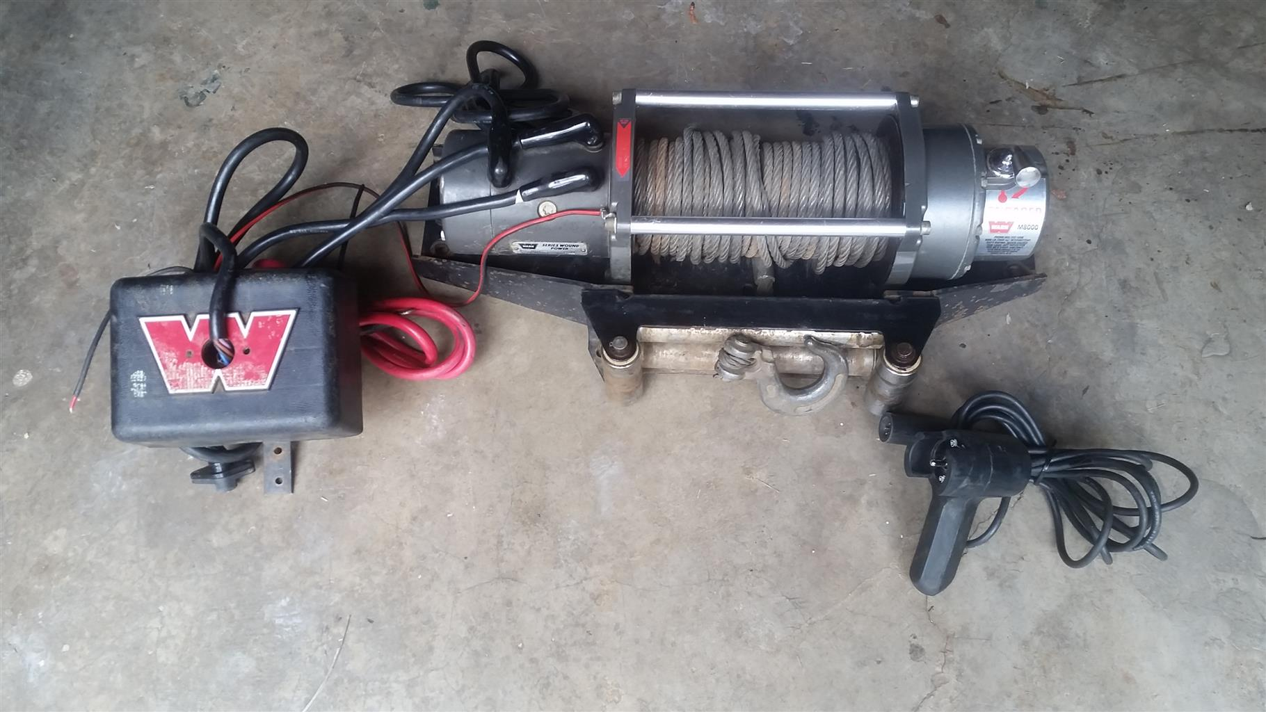 hight resolution of warn m8000 winch