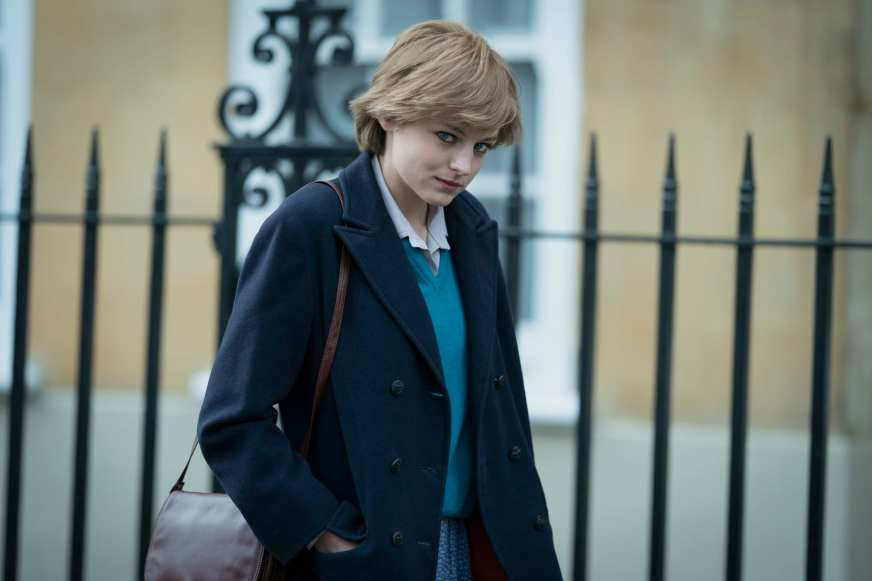 Who plays Princess Diana in The Crown season 4?