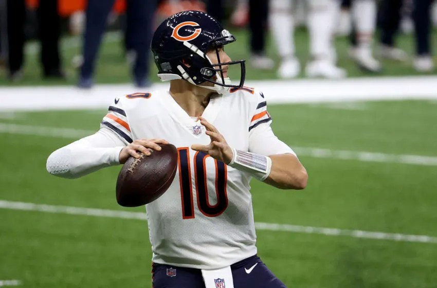 NEW ORLEANS, LOUISIANA - JANUARY 10: Mitchell Trubisky #10 of the Chicago Bears prepares to throw a pass during the first quarter against the New Orleans Saints in the NFC Wild Card Playoff game at Mercedes Benz Superdome on January 10, 2021 in New Orleans, Louisiana. (Photo by Chris Graythen/Getty Images)