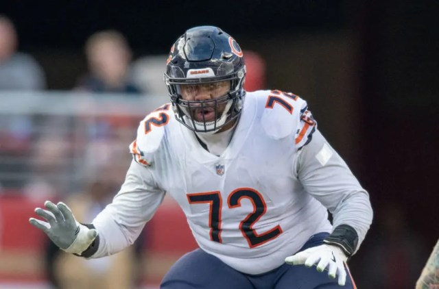 Chicago Bears offensive tackle Charles Leno (72) during the fourth quarter against the San Francisco 49ers at Levi's Stadium. Mandatory Credit: Kyle Terada-USA TODAY Sports