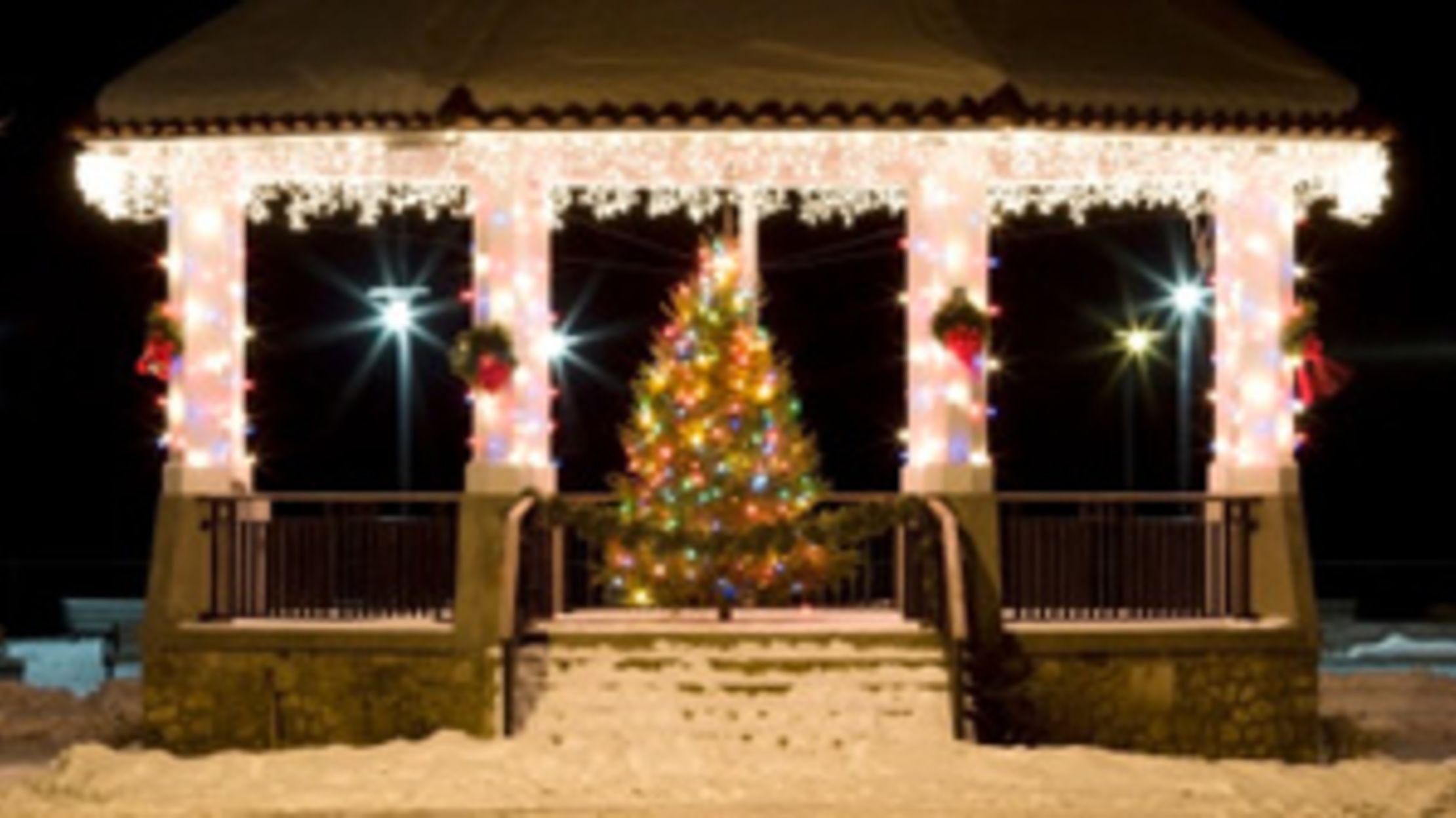 medium resolution of a brief history of christmas tree lights