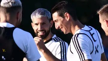Ángel Di María was sincere about how 'Kun' is experiencing Messi's departure from Barcelona.