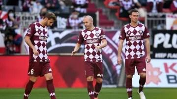 Andres Iniesta, Sergi Samper and Thomas Vermaelen