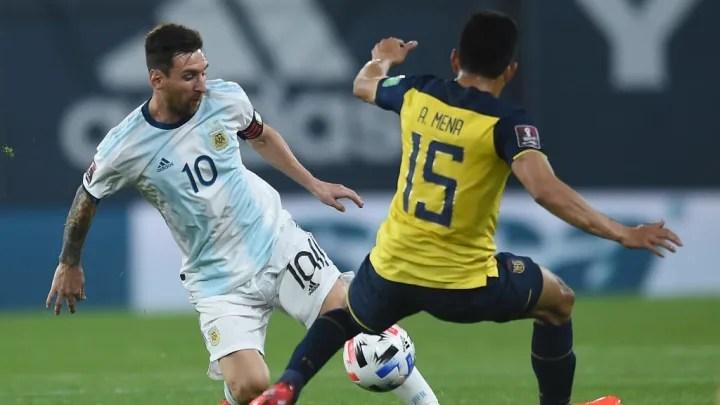 Lionel Messi, Angel Mena