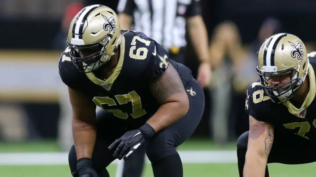 The Chicago Bears should target Pro Bowl offensive lineman Larry Warford.