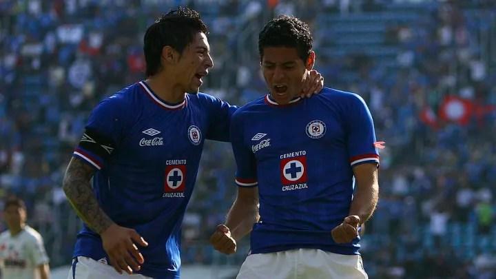 Cruz Azul v Santos - Opening 2010