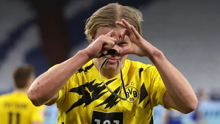 Borussia Dortmund director fires warning to suitors of Erling Haaland