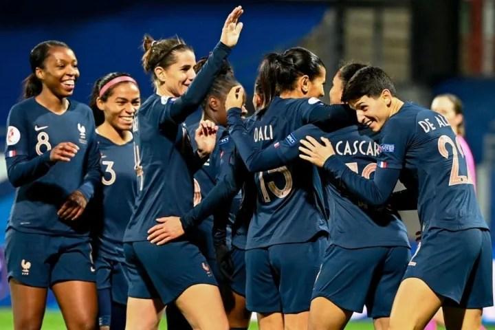 FBL-EURO-2021-2022-WOMEN-FRA-KAZ