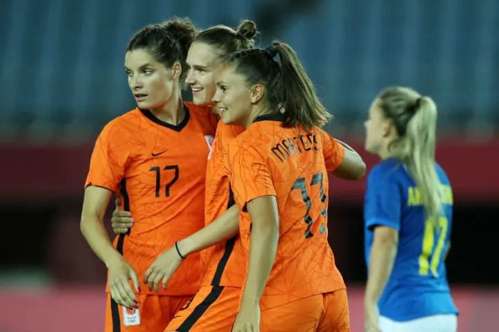 Netherlands rescued a late draw against Brazil