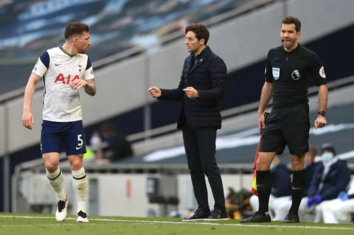Pierre-Emile Hojbjerg takes in instructions from Ryan Mason