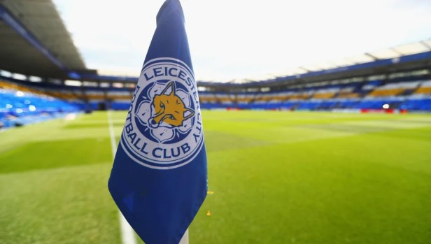 PHOTO: Leicester Ground Staff Come Up With Amazing Pitch Design for Club's  Final Matches | 90min