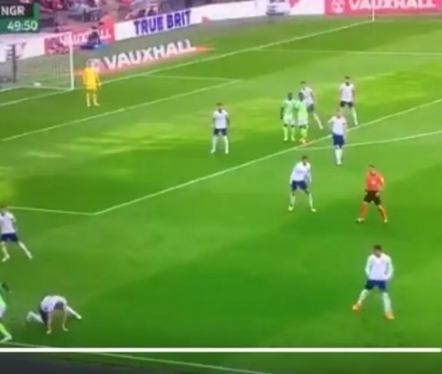 Video Cant Claim That Twitter Riots As Victor Moses Destroys Harry Kane With This Crazy Skill