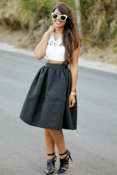 black full midi Express skirt - white Zara top - white chain baublebar necklace