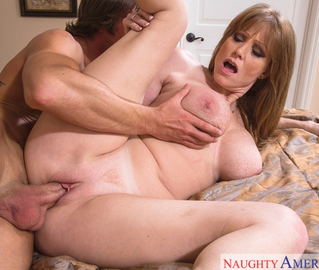 Milf Darla Crane Fucking In The Bedroom With Her Big Tits Blowjob