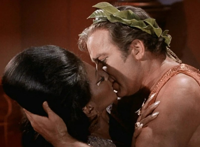 File:Uhura and Kirk kiss.jpg
