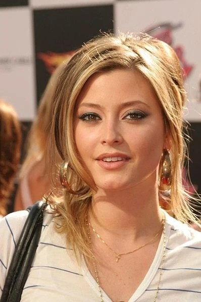 Holly Valance The Dead Or Alive Wiki Dead Or Alive