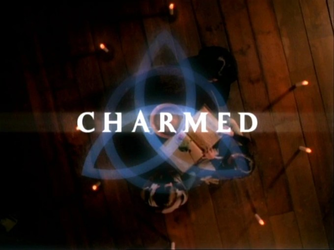 https://i0.wp.com/images3.wikia.nocookie.net/__cb20130403114042/charmed/pl/images/0/02/CharmedCreditsLogo.jpg?resize=680%2C510