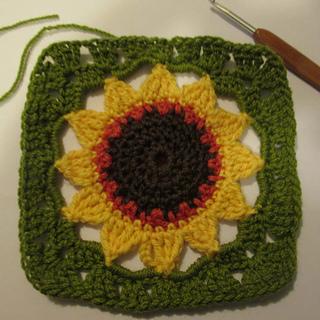 Ravelry Sunflower Square pattern by Nandina