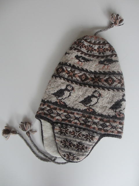 "f3a114439c7 ... Shetland Chullo"" an adaptation of the above pattern using the Puffin  mittens color chart found here."