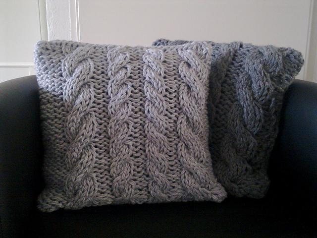 A la Sascha | FREE Cable Knitting Pattern