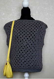 Ravelry Crochet Granny Square Top pattern by bobwilson123