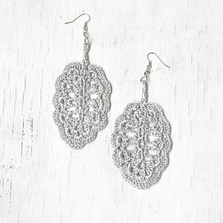 Ravelry: Crochet Leaf Earrings pattern by Svitlana Surenska