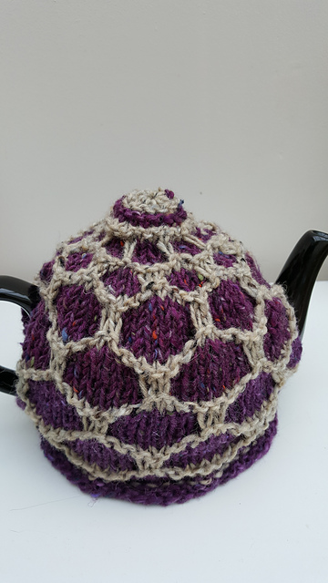 Honeycomb tea cosy from Bake Knit Sew by Evin Bail O'Keeffe