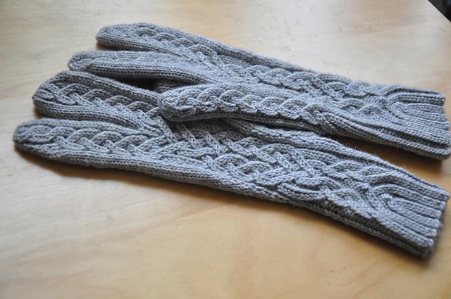 glitten fäustlinge fingerhandschuhe aus drachenwolle 6-fach sockenwolle stricken