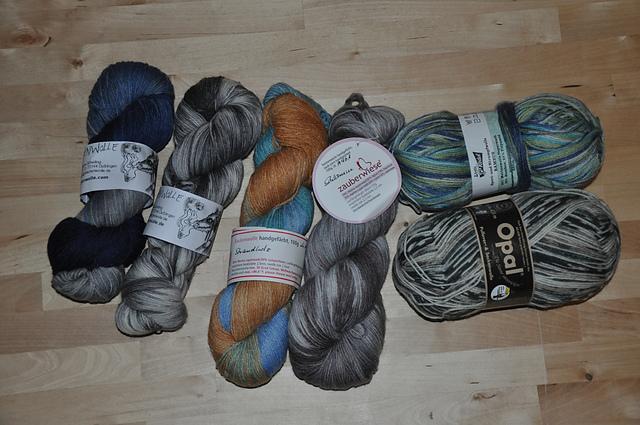 Woll-Auswahl für die Aktion 6 aus'm Stash: Drachenwolle, Zauberwiese, Opal und Rödel