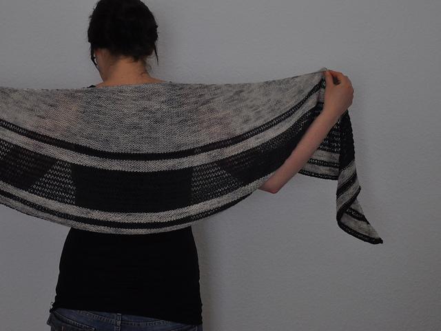 Asunder Tuch Wollmeise Lace Drachenwolle Sockenwolle Bambus Seide