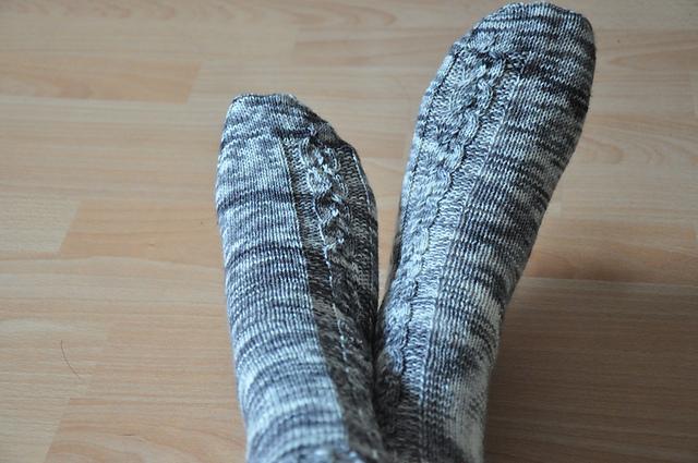 6 ausm stash drachenwolle sockenwolle nebel melange schwarz
