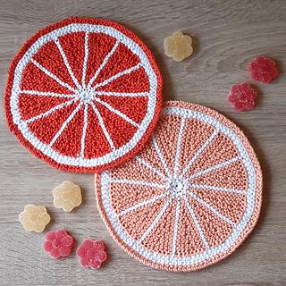 FREE Knitting Coaster Patterns. List of various free knitting patterns to make coasters. Colorful and cute free knitted coaster patterns.