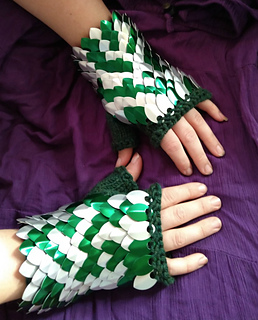 ravelry scale mail gauntlets
