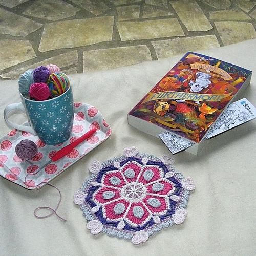 Tuto amigurumi gratuit : Le rat de bibliothèque - Evano Crochet | 500x500