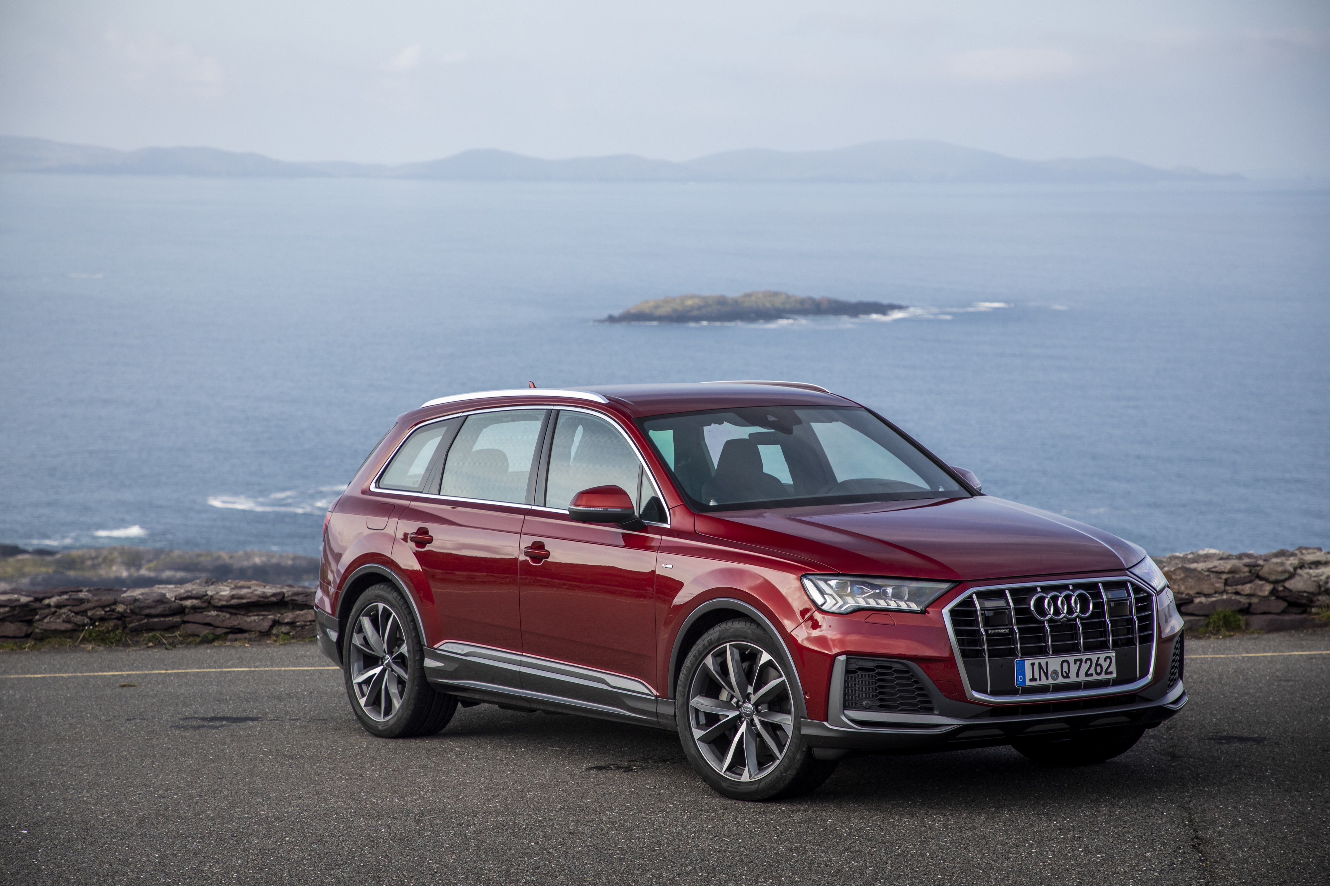 The q7 now has a sportier sibling in the form of the audi sq7. Audi Q7 4k Ultra Hd Wallpaper Background Image 4500x3000